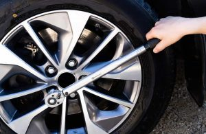 Best Torque Wrench for Lug Nuts & Spark Plugs